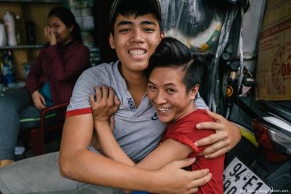 Hai cậu nhóc ở khu chợ Lớn, quận 5, cuối năm 2016