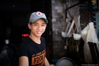 Một trai đẹp bán cá ở khu chợ Căn Cứ, Gò Vấp